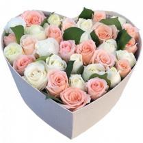 Коробочка с нежными розами