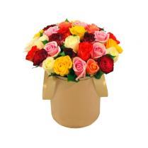 Разноцветные розы в шляпной коробке (35шт)