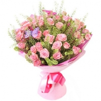 Букет из розовой кустовой розы
