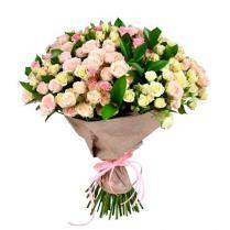 Букет из  веток нежной кустовой розы (35 шт).