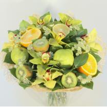Букет из фруктов и орхидей
