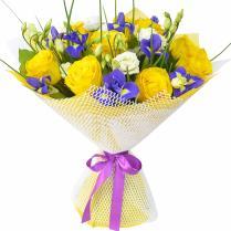 Букет с желтыми розами и ирисами