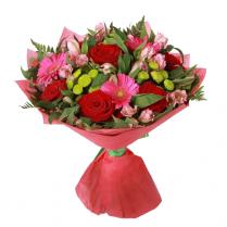 Букет с розами, герберами, сантини