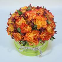 Коробка с оранжевыми розами