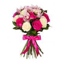 Букет роз и розовых орхидей